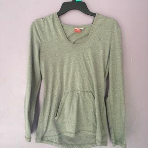 🌺Puma gray size medium long sleeves w/ hood